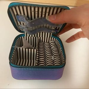 henri bendel Other - Henri Bendel small make up box